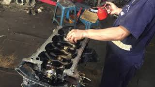 toyota hilux 2TR 4 cylinder gas engine main bearing and crankshaft installation