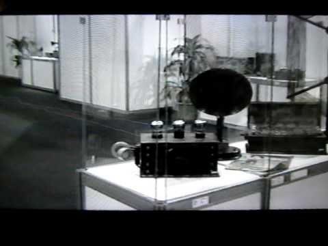 COLECCIONISTA DE RADIOS ANTIGUAS Y AFINES - VICENTE JOSE FELIP -EXPOSICION 1 A DE 9