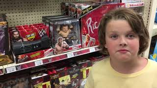 WWE Toy Hunt at Toys R Us Labor Day Weekend Edition