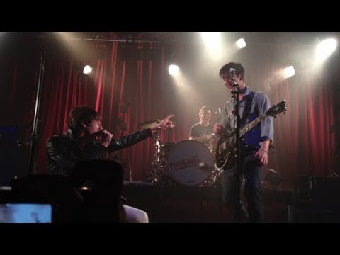 Arctic Monkeys & Miles Kane - Little Illusion Machine (Wirral Riddler) (Live in Melbourne)