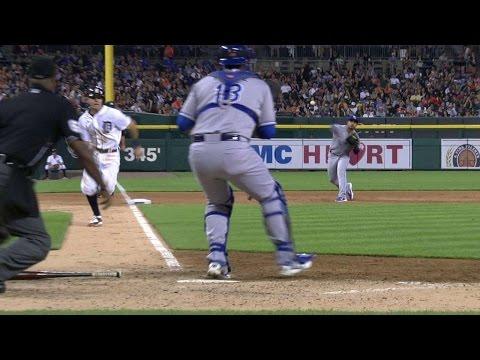 KC@DET: Royals nab Kinsler at the plate
