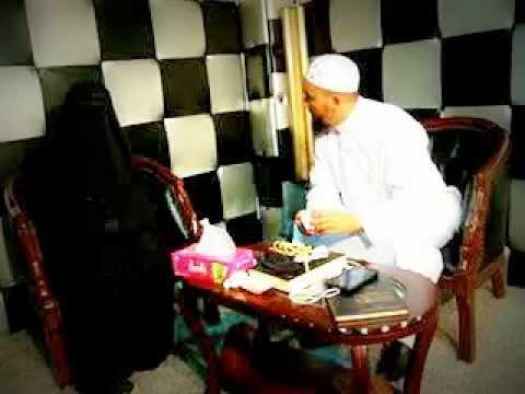 جنية تحضر سحرا صنعوه للراقي المغربي ودفنوه في الصحراء