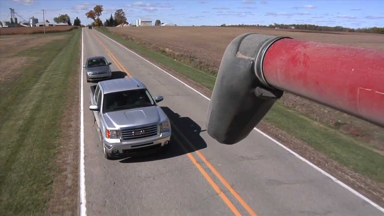 Slow Moving Vehicle Sign >> 60 Sec Slow Moving Vehicle Sign PSA - YouTube