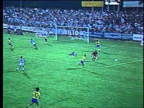9e journée de Division 1 de la saison 1985/1986, 30 août 1985. Auxerre - Sochaux : 3 - 2. Buts de Alain Fiard, Patrice Garande et Didier Danio pour Auxerre, Franck Sauzée (x2) pour Sochaux.