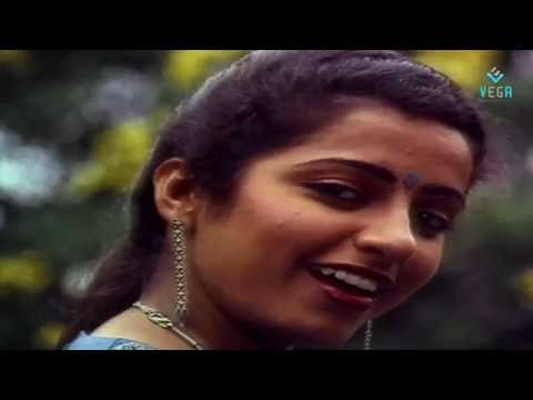 Muthamizh Kaviyae Varuga Video Song | Rajinikanth | Suhasini - Dharmathin Thalaivan video