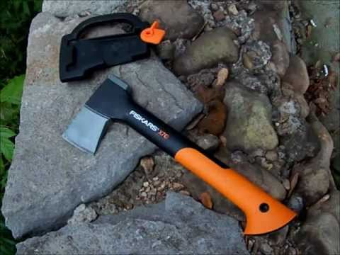 test and review the fiskars x7 hatchet youtube. Black Bedroom Furniture Sets. Home Design Ideas