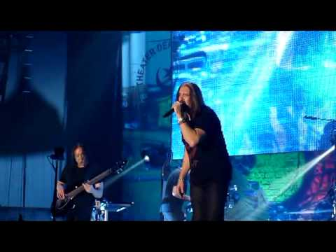 Dream Theater - Overture 1928 / Strange Deja Vu - Live Madrid Vistalegre 16-Ene-2014 by Churchillson