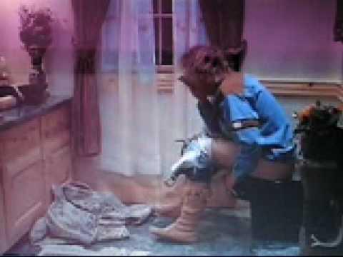 Dumb and dumber harry on the toilet youtube for Jeff daniels bathroom scene