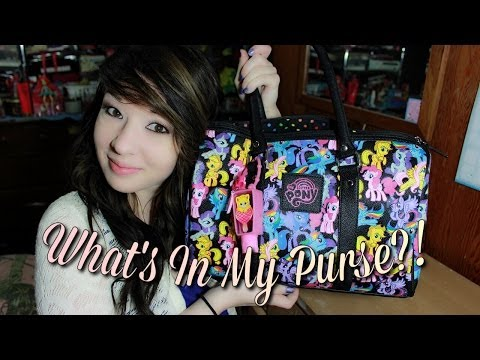 What's In My Purse?! (Updated April 2014)