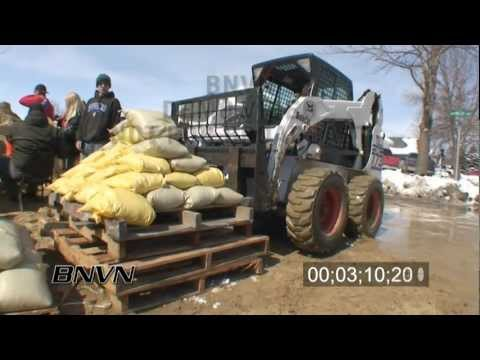 3/28/2009 Moorhead, MN sand bagging stock video footage
