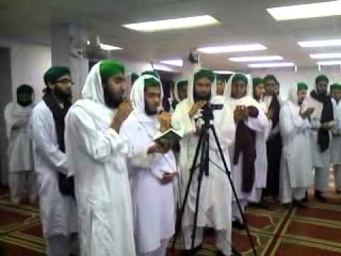 Dawateislami Jamiah Students Reading Sehra For There Ustad On His Nikah .mp4 video