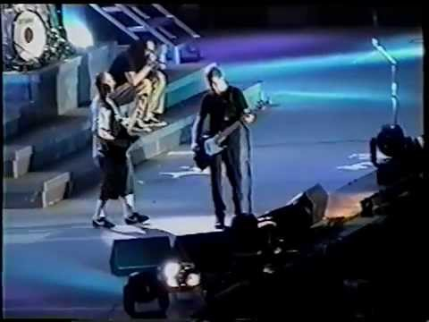 Metallica w Jonathan Davis and Daron Malakian - One Live in Sparta 2000