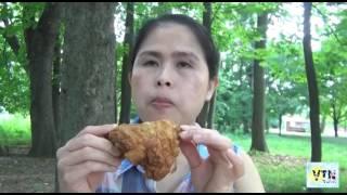 Ăn gà rán KFC ở công viên