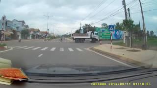 Khâm phục người tài xế lái xe ben