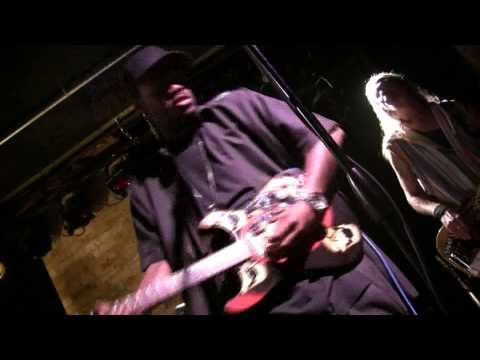 Eric Gales - VooDoo Chile LIVE at Bunkers