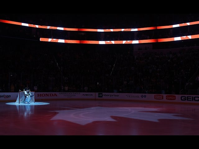 """Pittsburgh sings """"O Canada"""" in support of Ottawa"""