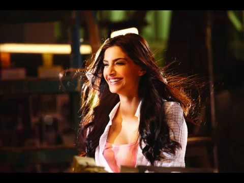 Tera Nasha Aise Chadhe Jhoom ..players .full Song With Sonam Kapoor video