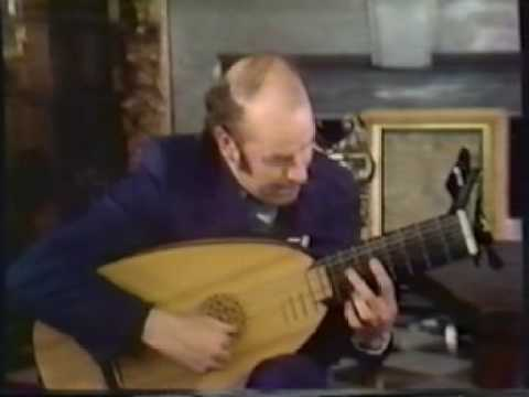 Rare Guitar Video: Julian Bream - Dowland and the Lute