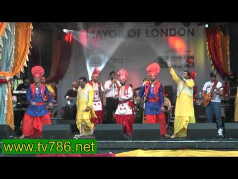 Tere Nakhre ne Bhangra song by Heera at Trafalgar Sq London