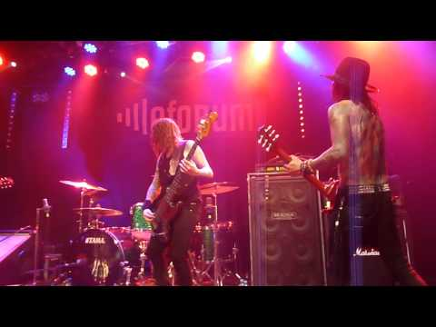 BUCKCHERRY - For The Movies - Paris 2013