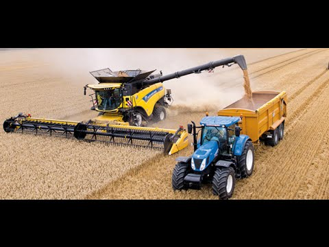 New Holland CR10. 90 combine Guinness World Records attempt