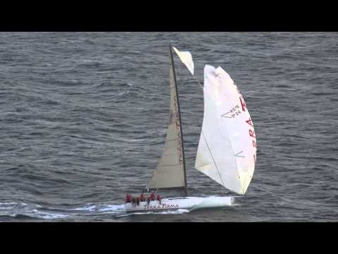 Cabbage Tree Island Yacht Race 2014 - Action Finish