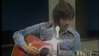 Watch Bobby Goldsboro Little Things video