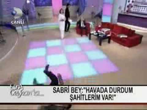 Ataque muy raro en television