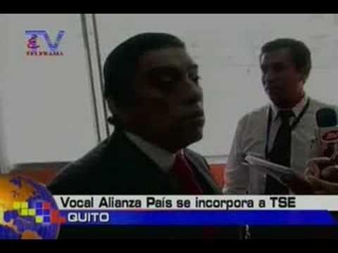 Vocal Alianza País se incorpora a TSE