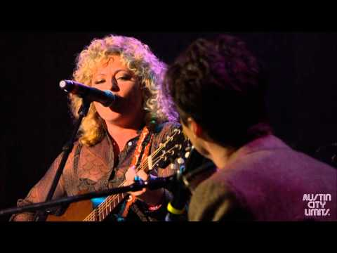 Shovels & Rope perform