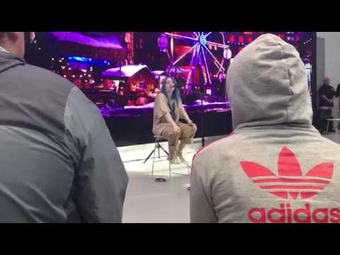 """Billie Eilish Performs Her New Song """"come Out And Play"""" Live"""