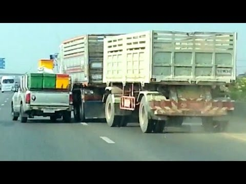 Toyota Hilux vs Volvo Truck : Road Rage battle on a highway! Music Videos