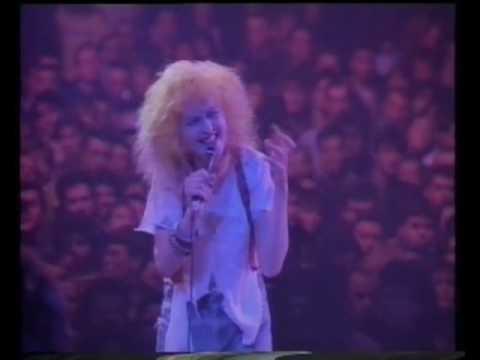 Cyndi Lauper-Girls just wanna have fun (The True Colour Tour live in Paris, France 1987)