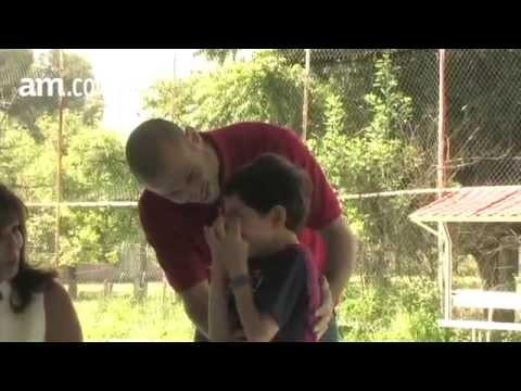 Masche y su costado más tierno: consoló a un niño en México