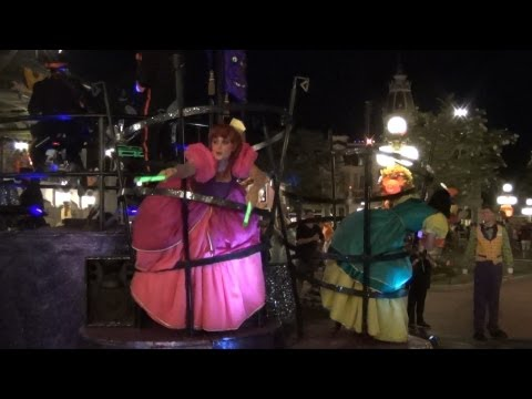 Wicked Stepsisters Replace Pain & Panic in Mickey's Boo To You Parade Villains Float on Friday 13th
