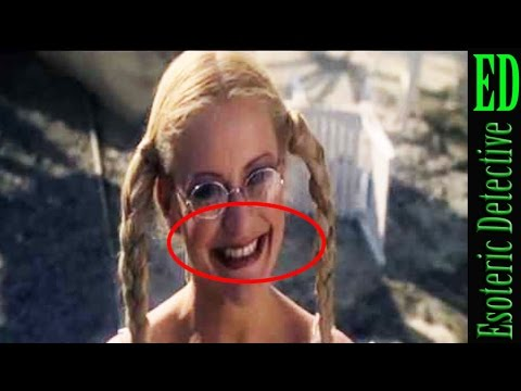 Mandela Effect | Braces MISSING From Dolly in Moonraker 1979 | #MandelaEffect