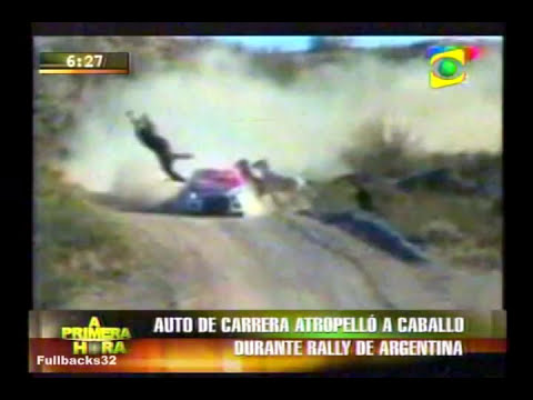 AUTO ATROPELLA A CABALLO EN RALLY ARGENTINO