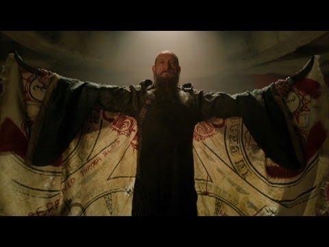 Top Notch Star Ben Kingsley Goes Off-Script For Iron Man 3