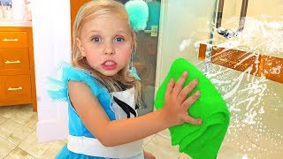 Alisa pretend play with cleaning toys !