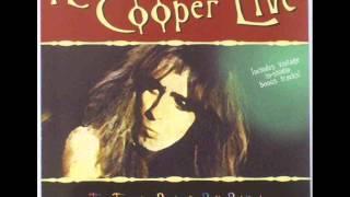 Watch Alice Cooper Nobody Likes Me video