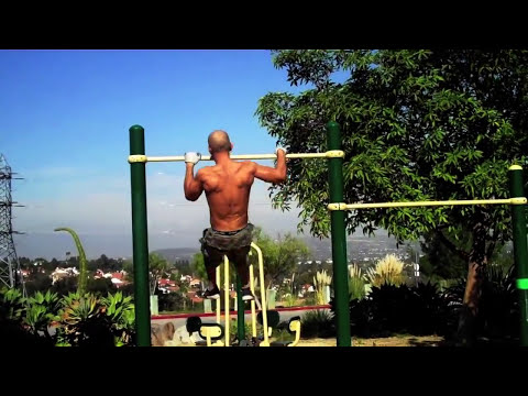FRANK MEDRANO - Cut and Jacked Calisthenics HOT VIDEO!!