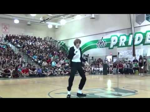Flawless Moonwalk: High School MJ Impersonator Dances to Billie Jean 2014