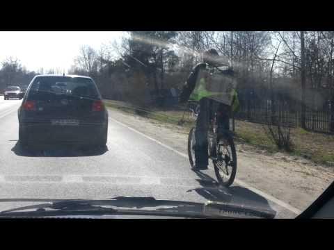 Dziwne Zachowanie Rowerzysty W Korku