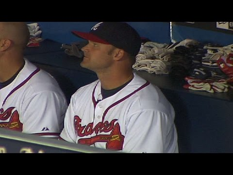 Ross entertains the Braves dugout
