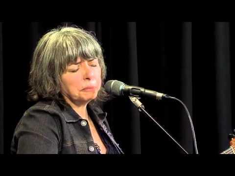 Lynn Miles - Love Doesnt Hurt