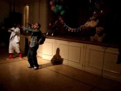 SWIFT CC YUNG BURG SINGS FOR RB TWINZ LIL GIRLS B-DAY Video