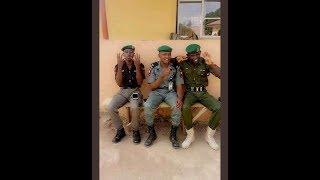 Policemen Displaying APC 4+4 Sign : Nigerians React