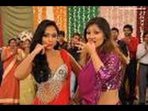 Yureni Noshika Dance in Pravegaya Movie With Upeksha Swarnamli