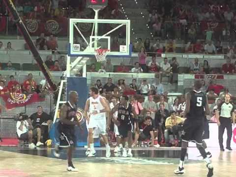 2010 Global Community Cup USA vs Spain: Derrick Rose Gives USA the Lead