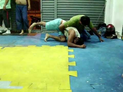 Muchik Training Center - MMA : Lucha Submission - Jiu-jitsu Image 1
